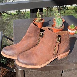 Gianni Bini low rise boots